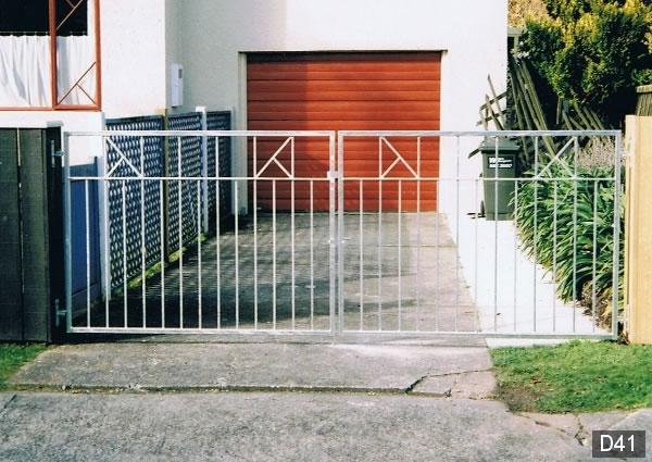 Driveway large gates wellington lower hutt kapiti coast for Driveway gates online